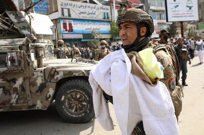 Lähes 40 ihmistä kuoli iskuissa Afganistanissa – Sairaalaiskussa kuoli lapsia, äitejä ja hoitajia