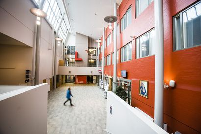 Tutkintojen lisääminen leikkaa korkeakoulujen rahoitusta