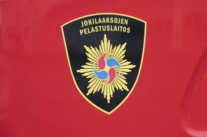 Piharakennuksessa syttyi tulipalo Siikalatvan Pulkkilassa – talon asukkaat saivat estettyä palon leviämisen