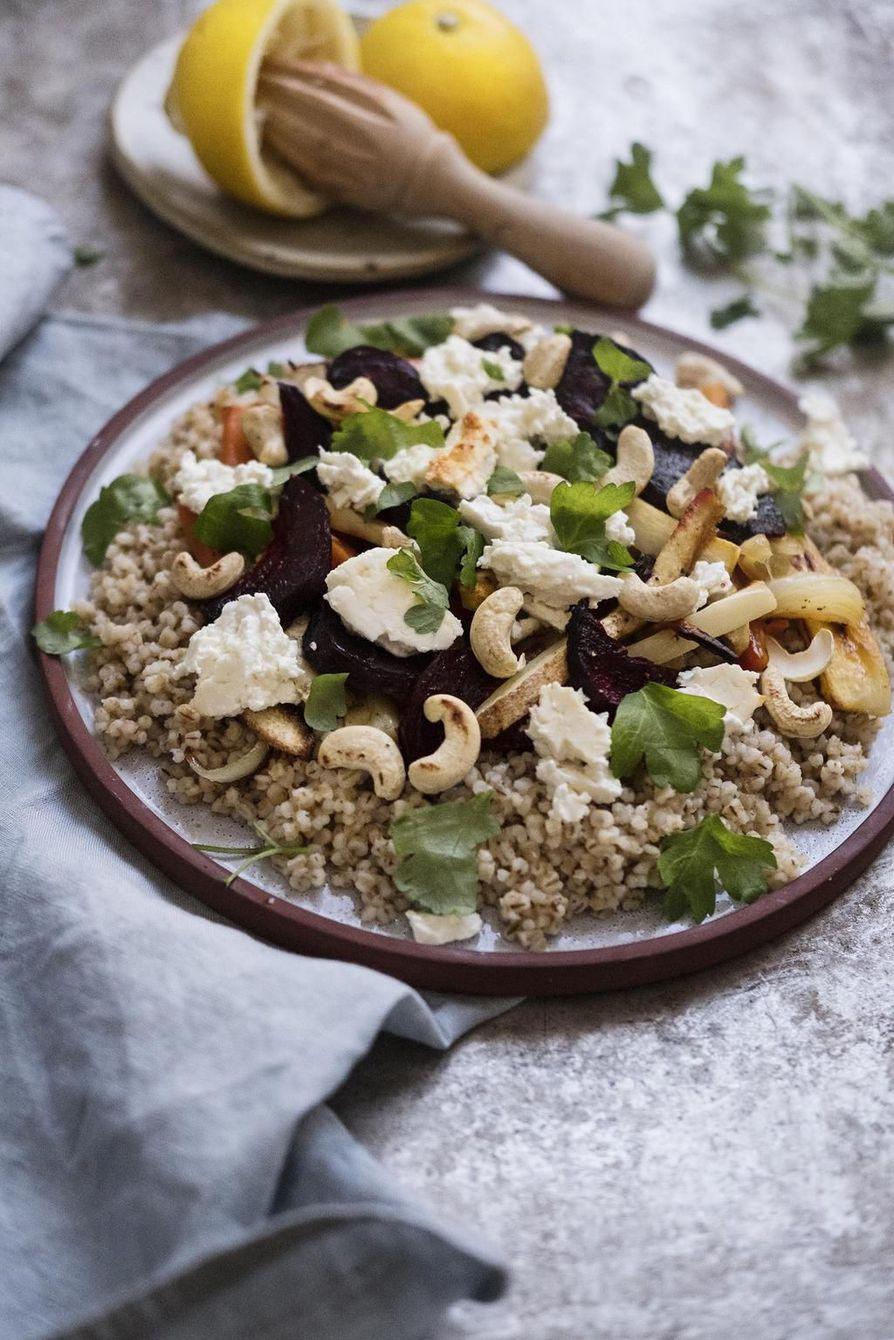 Libanonilaisessa tabbouleh-salaatissa maistuvat kaneli ja minttu.