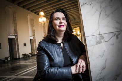 """""""Tiedätkö mitä teet?"""" isä kysyi, kun 15-vuotias Muonion tyttö halusi demariksi – Johanna Ojala-Niemelä nousi puoleensa ykkösnimeksi Lapissa ja sai vihdoin myös ison vastuuroolin eduskunnassa"""