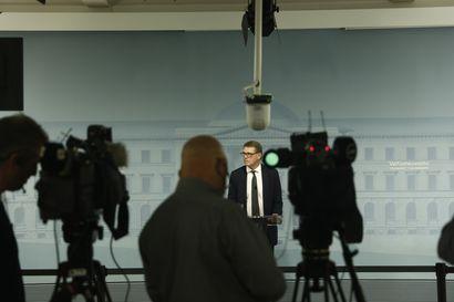 Tuoreen valtiovarainministerin päähuolena on, miten Suomi selviää koronan aiheuttamasta suuresta laskusta – Vanhanen osallistuu heti tänään EU:n valtiovarainministereiden kokoukseen