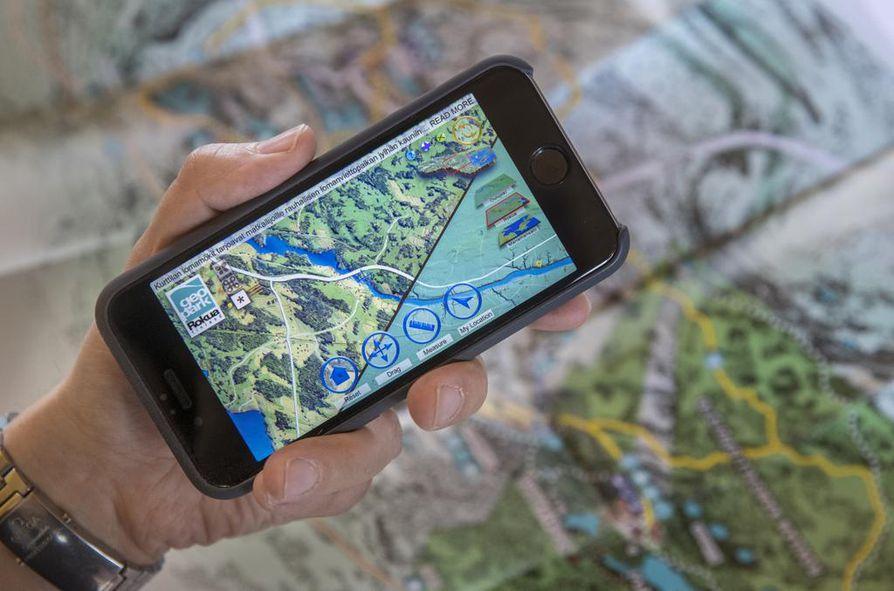 Mobiilisovellus auttaa Rokuan maastossa kulkijaa.