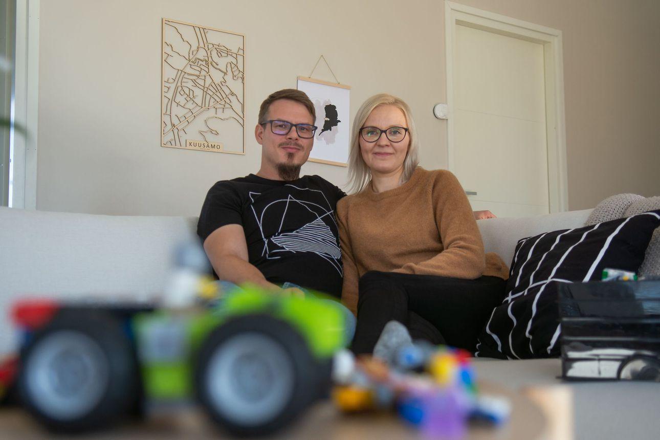 Kahden yrittäjän nelilapsisessa perheessä tärkein kannustaja löytyy läheltä – kuusamolaiset Tornbergit arvostavat joustavuutta arjessaan