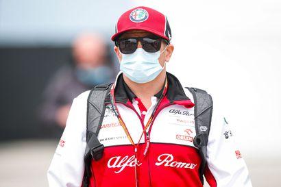 Taktisesta yllätysvedosta sakotettiin, Räikkönen nousi vielä yhden sijan Unkarissa