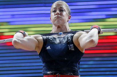 Anni Vuohijoki kokeili SE-rautoja Pattayan MM-kisoissa - osteopaatti pelasti lavalle