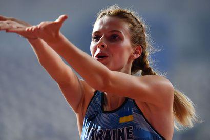 """Ella Junnilan kova kilpakumppani Jaroslava Mahutshih, 19, on yleisurheilumaailman uusin supertähti, joka uhkaa lähes 34 vuotta vanhaa maailmanennätystä – """"Kyse on äärimmäisestä lahjakkuudesta"""""""