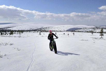 Uusi talvinen ilmiö houkuttelee kävijöitä Lappiin – latukahviloiden pihat täyttyvät nykyään jo läskipyöristä