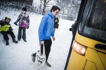 Waltti-lipulla tulisi päästä koulubussiin