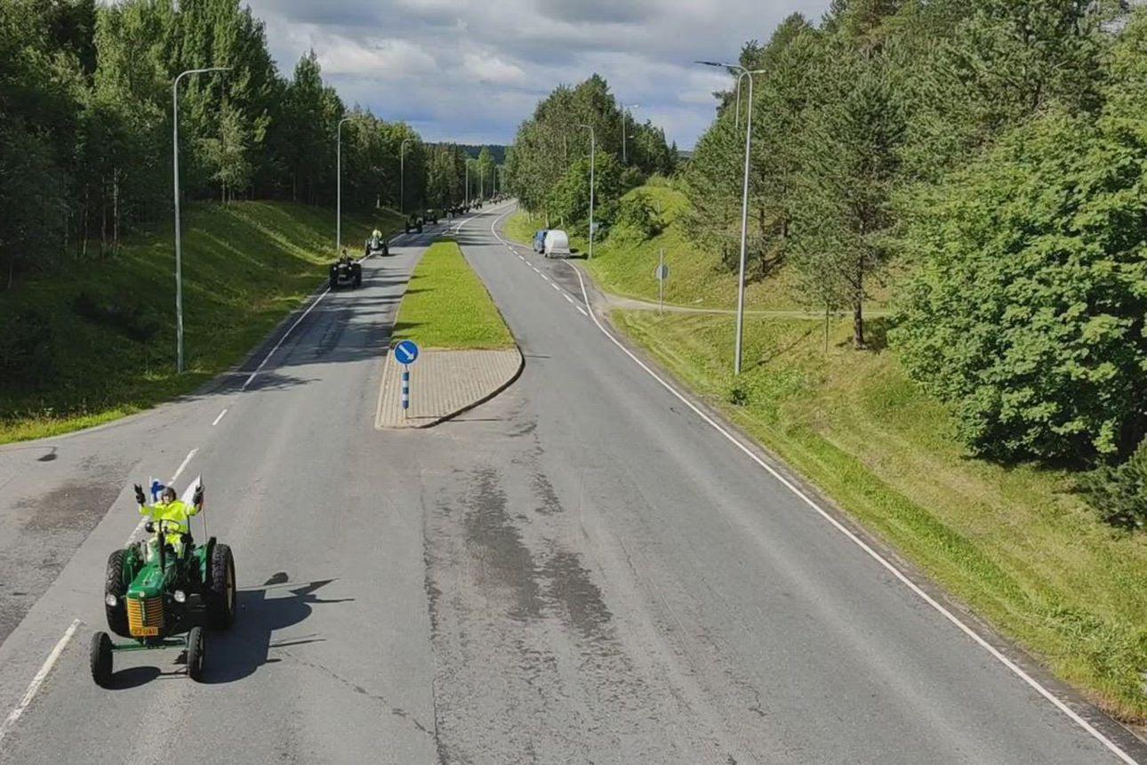 Nostalginen Zetor-marssi kulki kohti Kuusamoa ja Rukaa.