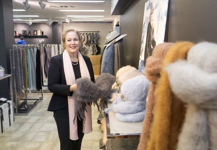 Toimitusjohtaja Heidi Jaara kertoo Balmuirin saaneen Tukholmassa hyvän vastaanoton.
