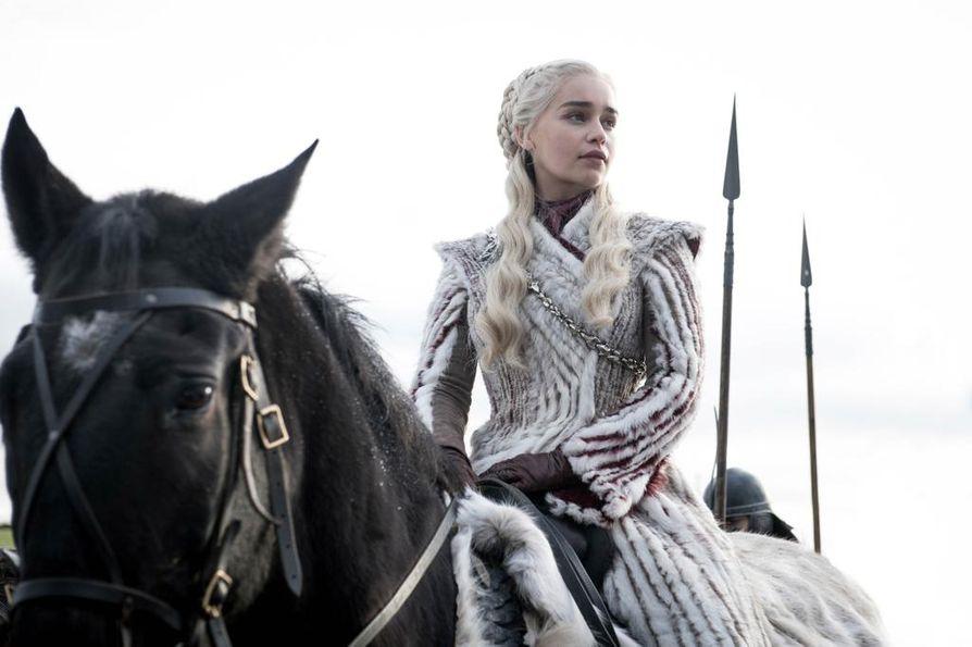 Game of Thrones on tehnyt monista näyttelijöistä tähtiä, varsinkin Emilia Clarkesta. Clarken esittämää Daenerys Targaryeniä seurataan sarjan alusta lähtien.