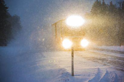 Ainakin 15 autoa kolaroi torstain sakeassa lumipyryssä Lapissa – vakavilta vahingoilta on vältytty
