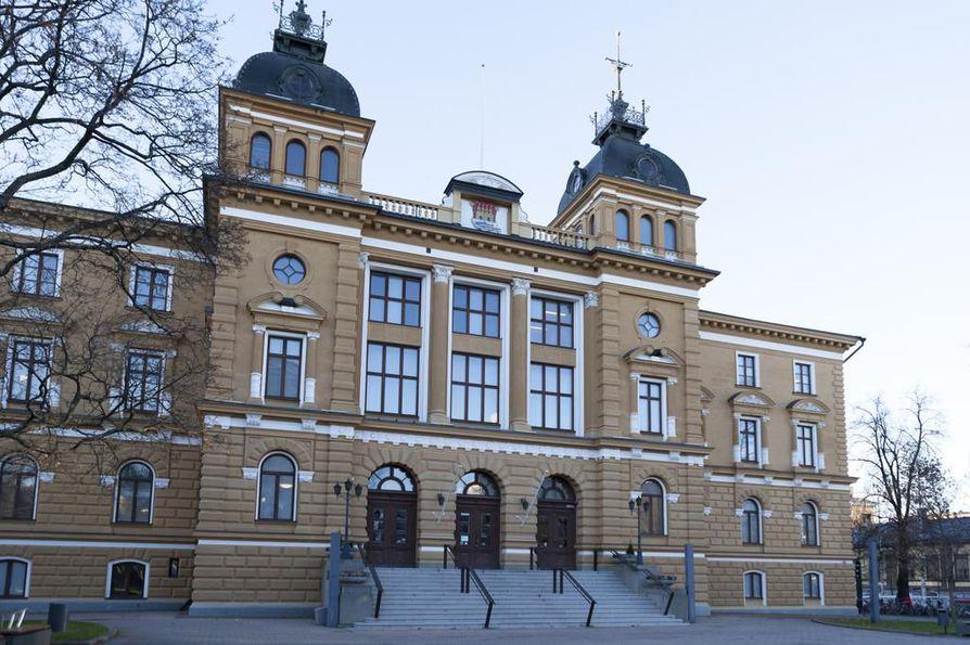 Tehdyn selvityksen mukaan Oulun kaupungin lastensuojelun menettelyssä on ilmennyt puutteita.