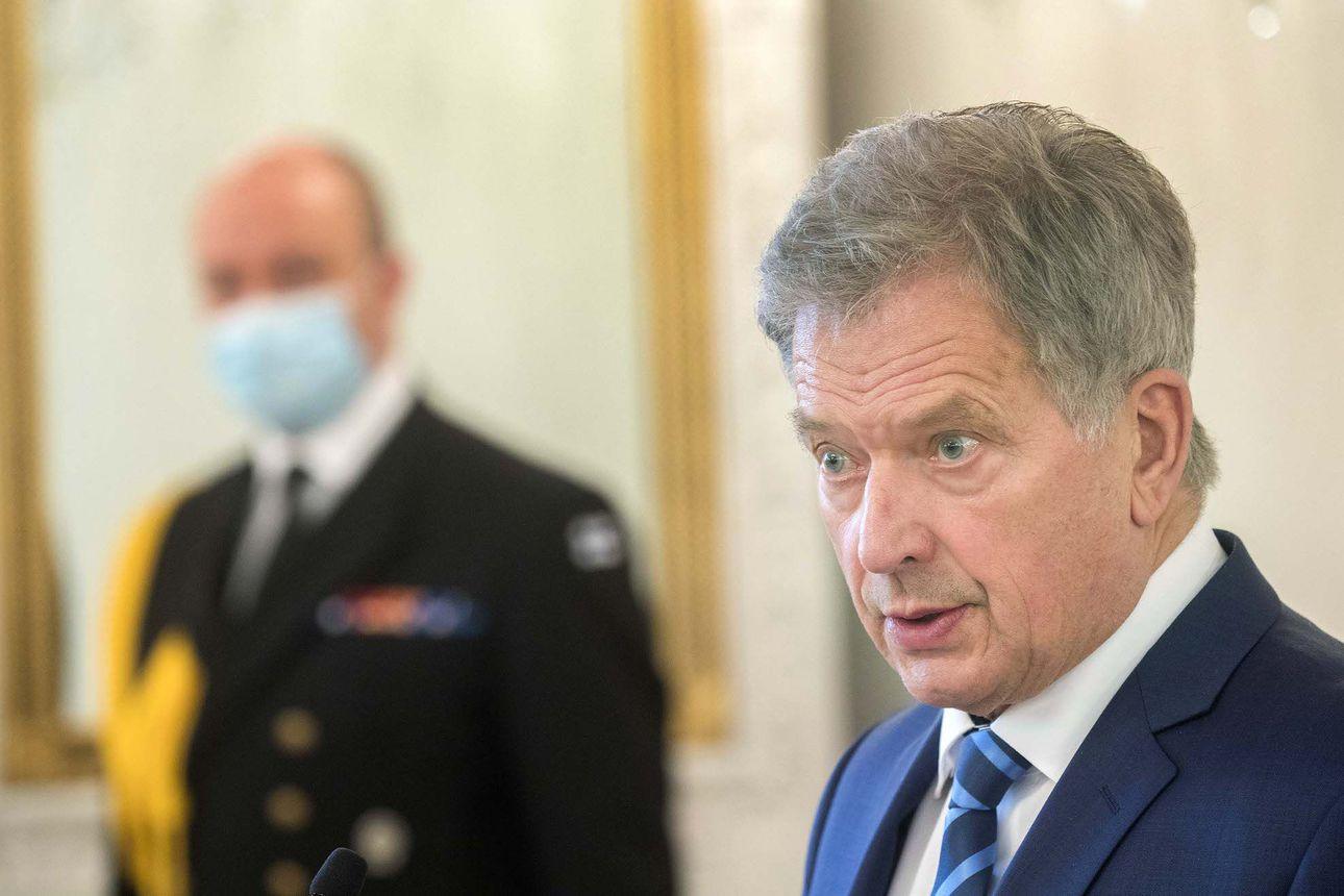 Presidentti Niinistö valmis poikkeusolojen julistamiseen, jos hallitus ilmoittaa selkeästä tarpeesta – valmiuslain käyttöönotossa olisi nyt kaksi isoa eroa kevääseen
