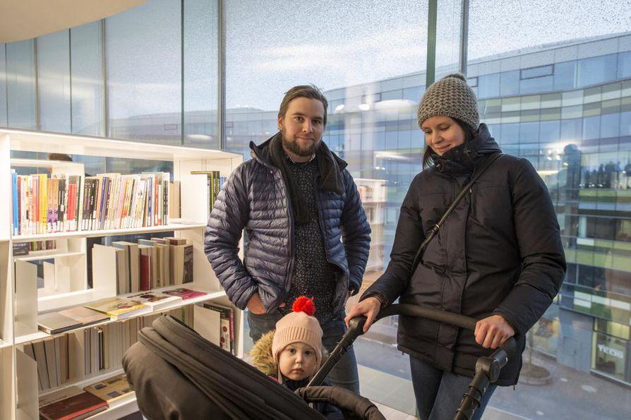Helsingin ihanuuksista huolimatta Maria Kilponen kaipaa takaisin Kajaanin rauhaan, jossa asui kymmenen vuotta. Ville Rantakokko ja Rosanna-tytärkään eivät ole valmiita muuttamaan Helsinkiin, edes Oodin takia.