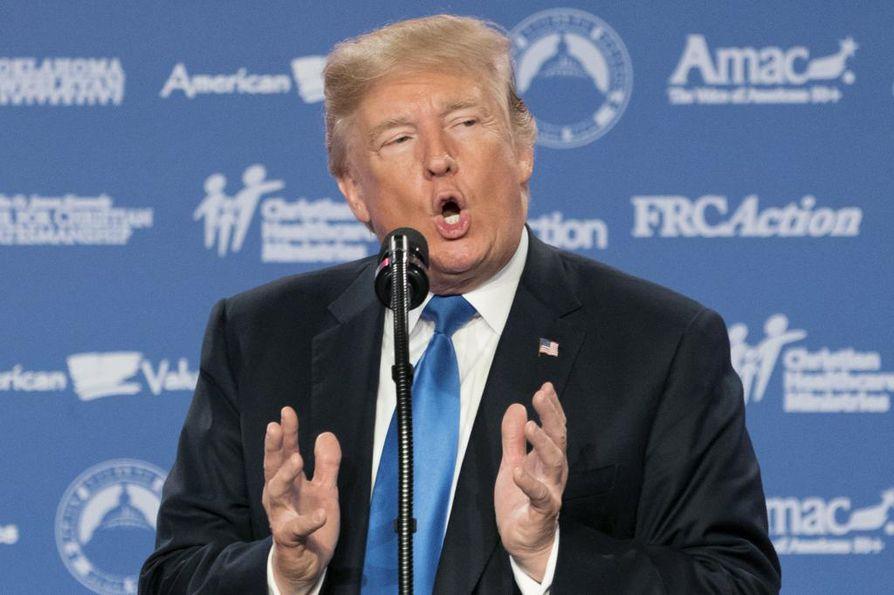 Yhdysvaltain presidentti Donald Trump ilmoitti asiasta perjantaina.