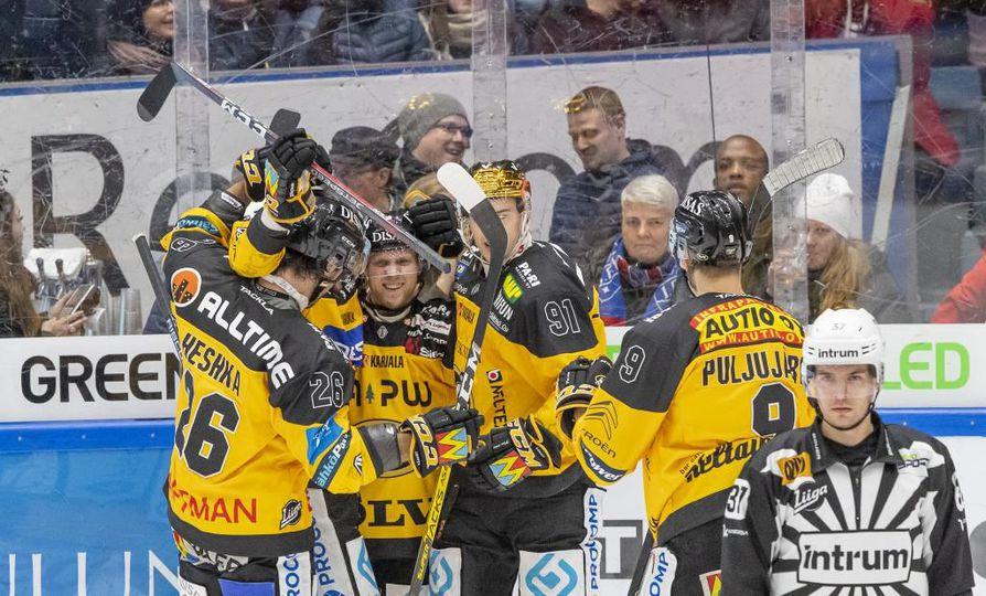Kärppien menestyksekäs alkukausi sai jatkoa lauantaina Raksilassa, kun HIFK joutui poistumaan Oulusta tappio niskassaan.