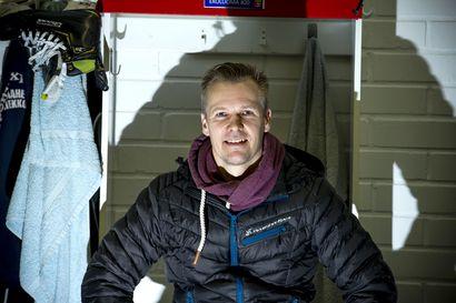 Sami Ekoluoma on pelannut Suomi-sarjaa neljällä vuosikymmenellä