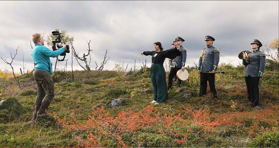 Säveltäjä Ilari Hylkilän Lapin luonnosta inspiraationsa saanut tilausteos Lapland Imagery on saanut rinnalleen Alexander Kuznetsovin ja soittokunnan käsikirjoitustiimin tekemän musiikkivideon, josta tämä kuvakaappaus on peräisin.