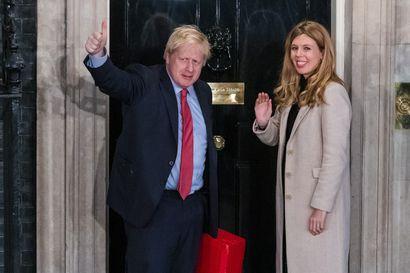 Britannian pääministeri Boris Johnson sai poikalapsen yhdessä kihlattunsa kanssa