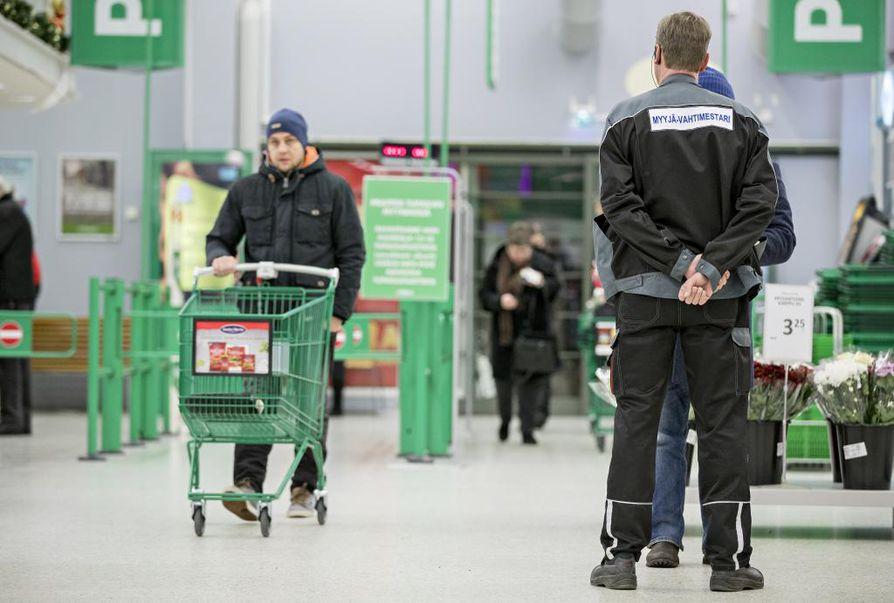 Kaupat olivat Suomessa pitkään suljettuina sunnuntaisin, koska uskonnollisessa perinteessä pyhä on lepopäivä.