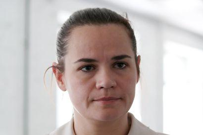 """Valko-Venäjän oppositiojohtaja kehotti EU:ta olemaan tunnustamatta presidentinvaalien väärennettyjä tuloksia – """"Herra Lukashenko on menettänyt legitimiteettinsä kansakuntamme ja maailman silmissä"""""""