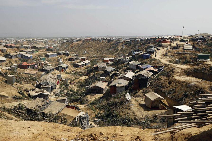 Bangladeshin Cox's Bazarin lähellä sijaitsevalla pakolaisleirillä asuu arviolta satoja tuhansia rohingya-muslimeita, jotka ovat paenneet Myanmarista.