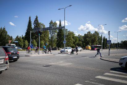 Liikennekuolemien määrä noussut alkuvuodesta –Kesäisin erityisesti nuoret kuljettajat edustettuina liikenneonnettomuuksissa