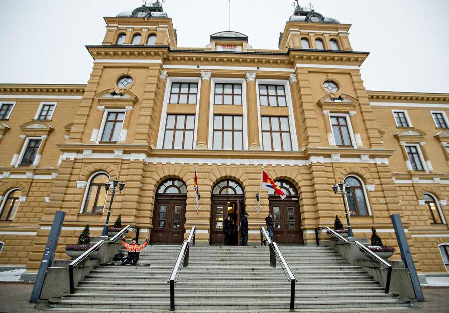 Oulun kaupungintalo menee remonttiin vuoden vaihteessa.