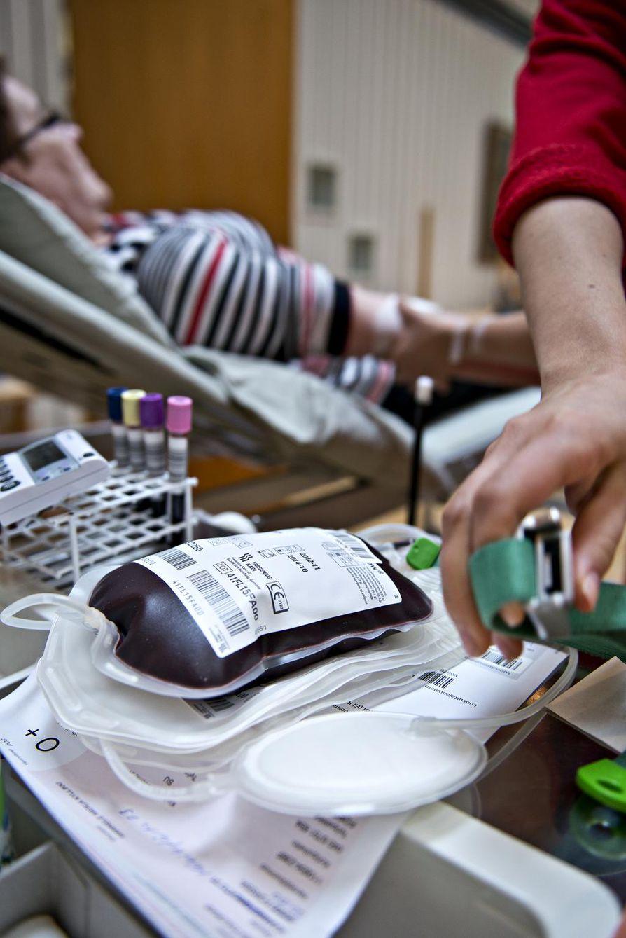 Verenluovutuksessa hemoglobiinin on oltava naisilla vähintään 125 ja miehillä 135.