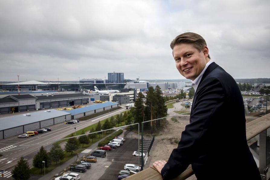 Finnairin toimitusjohtaja Topi Manner sanoo, että yhtiön matkustajamäärät ovat ennätysmäisessä kasvussa. Yhtiö on panostanut muun muassa Aasian-liikenteeseen.