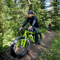 Viime syksynä Kuusamoon kunnostettiin maastopyöräilyreittejä – nyt niille toivotaan runsaasti käyttäjiä