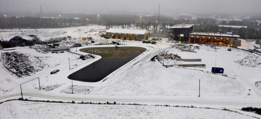 Ruskon suotovesiltaisiin kertyvät jätevedet johdetaan viemäreitä pitkin jätevedenpuhdistamolle Taskilaan. Lare-lajitteluareenan kylkeen rakennetaan laajennusta, joka valmistuu ensi vuonna.