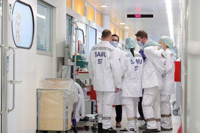 Ebola-lääke voi tuoda apua koronan sairastuttamille – EU tutkii remdesiviriä, mutta lääkäri voi anoa poikkeuslupaa Suomessa jo nyt