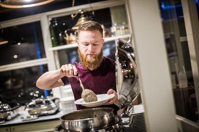 Kävimme hotelliaamiaisella Rovaniemellä: Liikematkailijalta jää lautaselle vain munankuoria, mutta lomamatkailijat aiheuttavat valtavaa lautashävikkiä, yksi valistuskeino voisi tepsiä