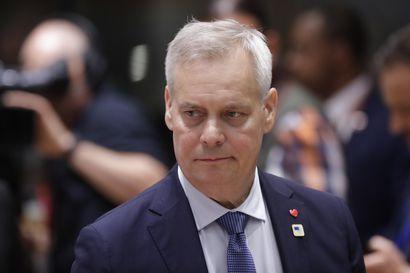 HS: Posti kaavailee alentavansa jopa 8000 työntekijänsä palkkoja – pääministeri Antti Rinne miettii ratkaisuksi kertakorvausta