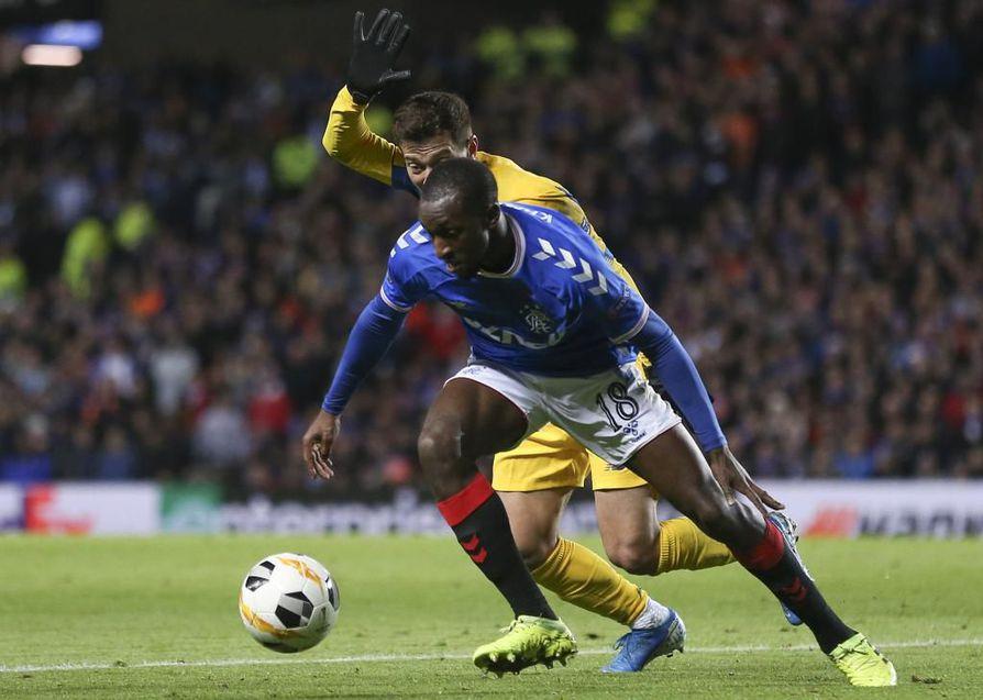 Glen Kamara pelaa Glasgow Rangersissa.