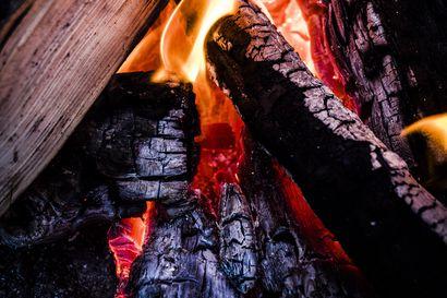 Ruohikkopalojen vaara on nyt suuri kuivuuden takia – tuulisella säällä palot leviävät nopeasti