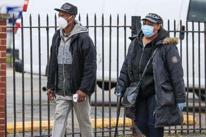 Koronavirus iskee etnisiin vähemmistöihin Britanniassa ja USA:ssa