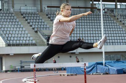 """Oululaisnuoret Laura Loponen ja Essi Niskala pinkoivat Kalevan kisojen 400 metrin aitojen finaaliin – """"Tavoitteena oli loppukilpailupaikka"""""""