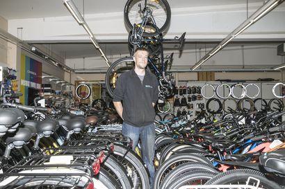 """Huonokuntoinen hyötyy sähköpyöräilystä, paljon urheilevalla kunto taas voi jopa rapistua –Asiantuntija: """"Olisi hyvä, jos sähköpyöräilijät vaikkapa kotimatkalla vähentäisivät avustusta"""""""