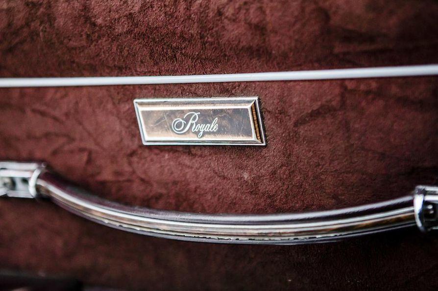 Oldsmobile on paremmin varusteltu Royale-malli.