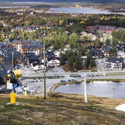 Aurinkomatkat ryhtyy myymään suomalaisille pakettimatkoja Lappiin, paketin uskotaan olevan kilpailukykyinen vaihtoehto omatoimimatkoille