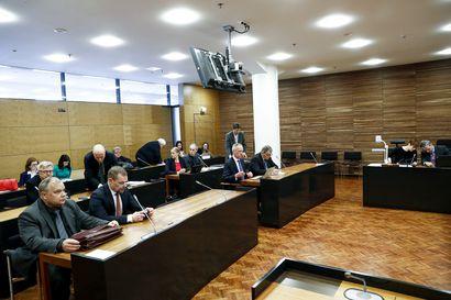 Hovioikeus aloitti poliisijohdon virkarikossyytteiden käsittelyn – Jari Aarnioon kytkeytyvälle historian laajimmalle poliisioikeudenkäynnille on varattu jopa 42 käsittelypäivää