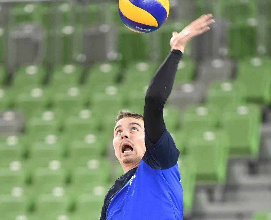 Passari Eemi Tervaportti on EM-kisoissa Suomen lentopallomaajoukkueen henkinen ja pelillinen johtaja.