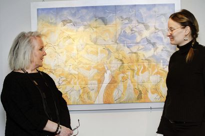 Riekon värikkäät posliinityöt esillä historiallisessa museossa – Kulttuuri- ja tiedesäätiö Kemi 2000 hakee Annikki Riekon töille pysyvää näyttelytilaa