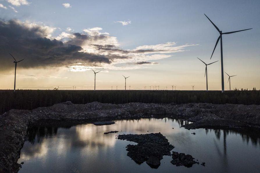 Kesän 2018 jälkeen Suomessa on julkistettu yli 20 tuulipuistoa, joihin rakennetaan yli 280 tuulivoimalaa. Näiden arvioidaan tuottavan vuosittain 4–6 terawattituntia sähköä. Arkistokuva.