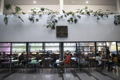 Ensi syksy näyttää, miten ammattikorkeakoululaisten muutto Linnanmaalle vaikuttaa opiskelijaruokaloiden ruuhkiin – paikkoja on tarpeeksi, mutta ongelmana on ajoitus
