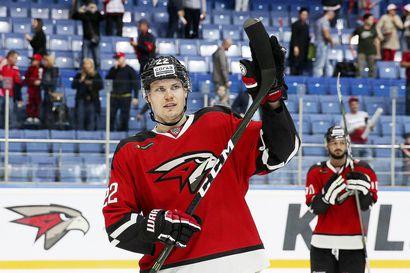 Ville Pokka ei epäröi heittäytyä kiekon eteen - TIHC-kasvatti johtaa ylivoimaisesti KHL:n blokkaustilastoa